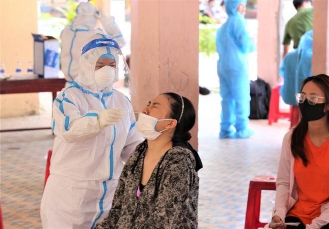 Thêm 7 ca Covid-19 ở Đà Nẵng, trong đó có con chủ quán cơm gà từng tổ chức sinh nhật trước khi dương tính - ảnh 1