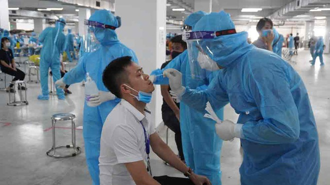 Diễn biến dịch ngày 17/5: Thêm 37 ca mắc mới, 16 bệnh nhân diễn biến nguy kịch, phải thở máy - Ảnh 1.