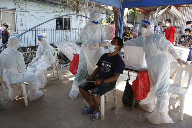 Số ca mắc Covid-19 ở Thái Lan vượt mốc 9.600 ca/ngày - ảnh 1