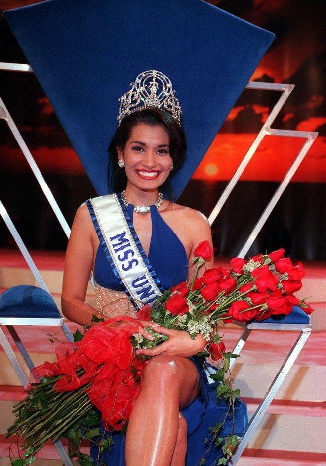 5 nàng hậu Miss Universe hội tụ tạo ra khung hình toàn đệ nhất mỹ nhân: Ai cũng visual đỉnh chóp, khó lòng phân thắng bại - Ảnh 4.
