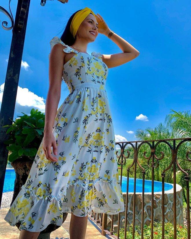 Style đời thường của tân Hoa hậu Hoàn vũ Mexico: Chuẩn bánh bèo chúa khi diện toàn váy áo hoa lá hẹ - ảnh 11