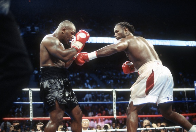 Câu chuyện đằng sau giây phút Mike Tyson bỗng hóa điên, cắn tím đùi nhà vô địch thế giới - ảnh 5