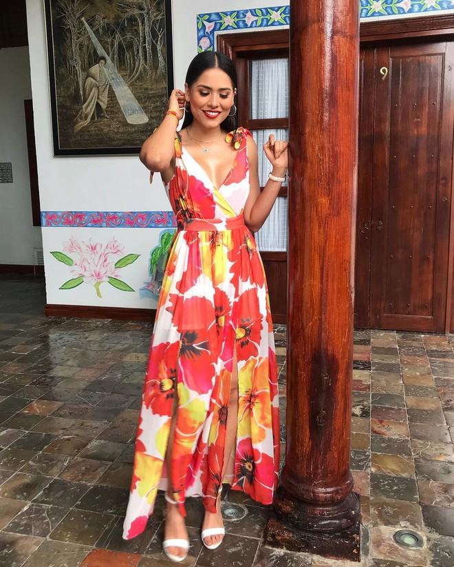 Style đời thường của tân Hoa hậu Hoàn vũ Mexico: Chuẩn bánh bèo chúa khi diện toàn váy áo hoa lá hẹ - ảnh 6