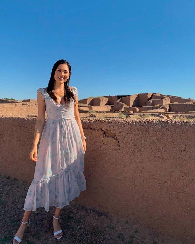 Style đời thường của tân Hoa hậu Hoàn vũ Mexico: Chuẩn bánh bèo chúa khi diện toàn váy áo hoa lá hẹ - ảnh 8