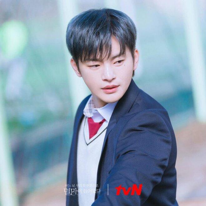 Bạn trai Park Bo Young gây sốt với nhan sắc chuẩn bad boy, netizen la ó hủy diệt tim em rồi - ảnh 3