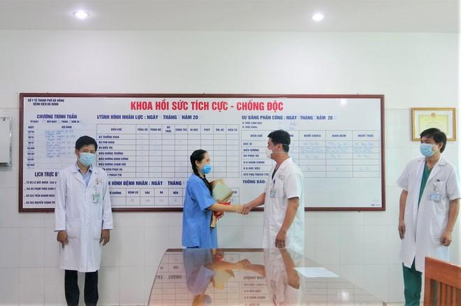 Nữ điều dưỡng bị sốc phản vệ sau khi tiêm vắc xin Covid-19 giờ ra sao? - ảnh 2
