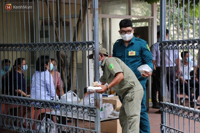 Ảnh: Phong tỏa tạm thời công ty kiểm toán tại TP.HCM do liên quan đến ca dương tính SARS-CoV-2 mới - ảnh 3