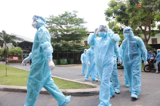Nóng: Phong tỏa chung cư ở Thủ Đức do có ca nghi nhiễm Covid-19 - Ảnh 6.