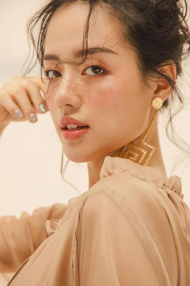 Đâu phải ai sinh ra cũng đẹp, đến Khánh Vân cũng phải chịu khó niềng răng mới hoàn hảo như bây giờ - ảnh 9