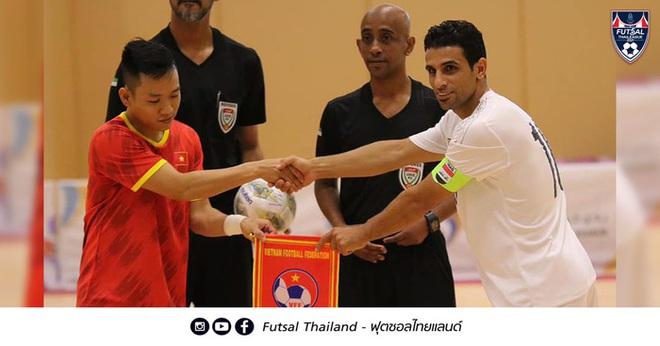 Việt Nam phải bỏ tiền phụ chủ nhà UAE điều chỉnh mặt sân thi đấu play-off Futsal World Cup? - ảnh 2