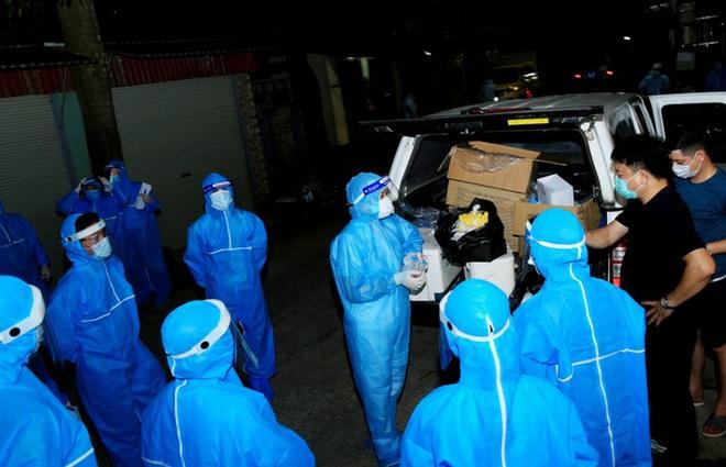 Nữ công nhân về quê dương tính SARS-CoV-2, Sơn La họp khẩn trong đêm - ảnh 1