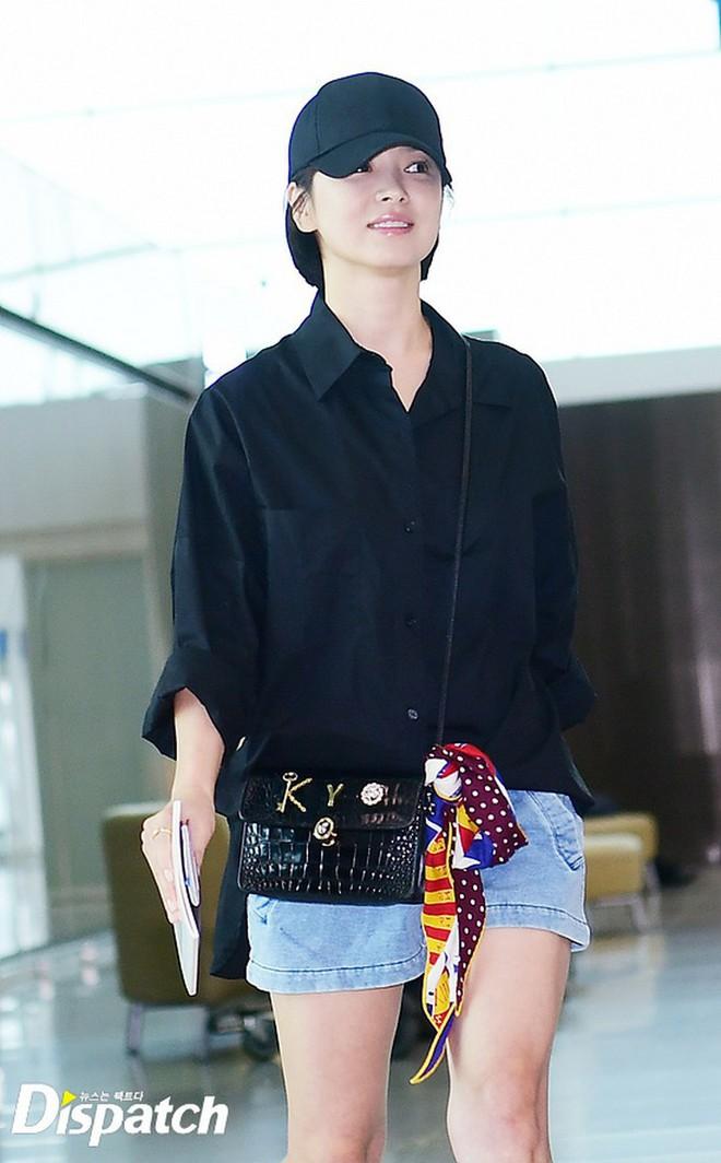 Song Hye Kyo mê diện sơ mi kiểu hờ hững lả lơi: Lên hình thì đẹp nhưng ở ngoài đời có như mơ? - ảnh 11
