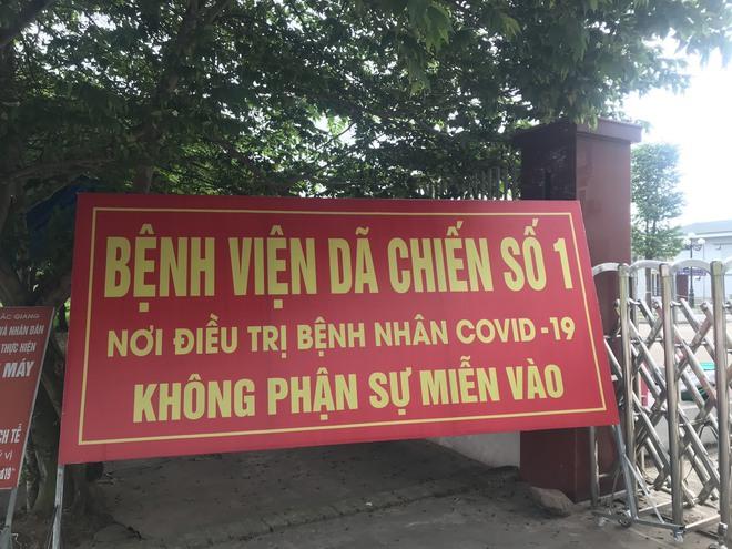 Bộ trưởng Bộ Y tế kiểm tra điểm nóng COVID-19 tại khu công nghiệp Quang Châu - Bắc Giang - ảnh 3