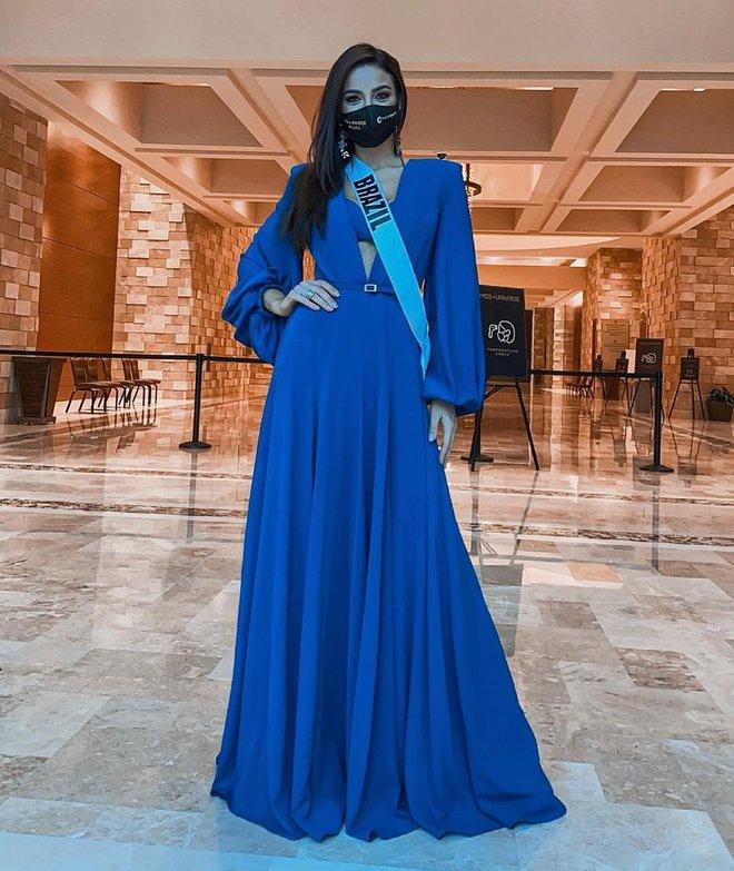 Á hậu 1 Miss Universe 2020 từng diện quốc phục gây đau mắt, hành trang chinh chiến chỉ hơn 10 bộ đồ - ảnh 7