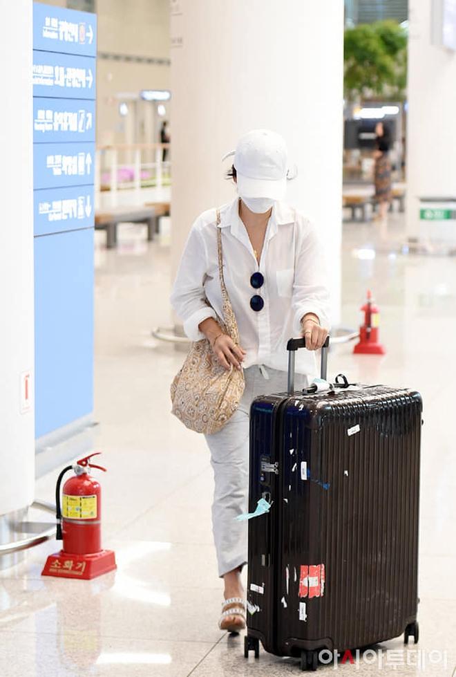 Song Hye Kyo mê diện sơ mi kiểu hờ hững lả lơi: Lên hình thì đẹp nhưng ở ngoài đời có như mơ? - ảnh 10