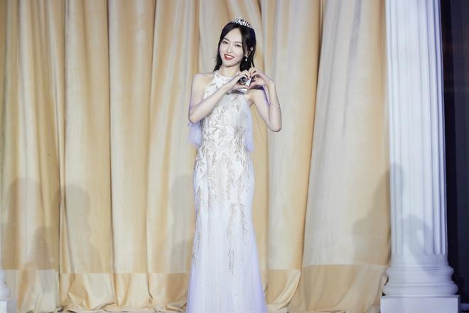 Top 1 Weibo: Ảnh không PTS của 1 mỹ nhân Cbiz khiến cả Cbiz bùng nổ, mẹ 1 con mà visual phơi phới như gái đôi mươi - Ảnh 2.