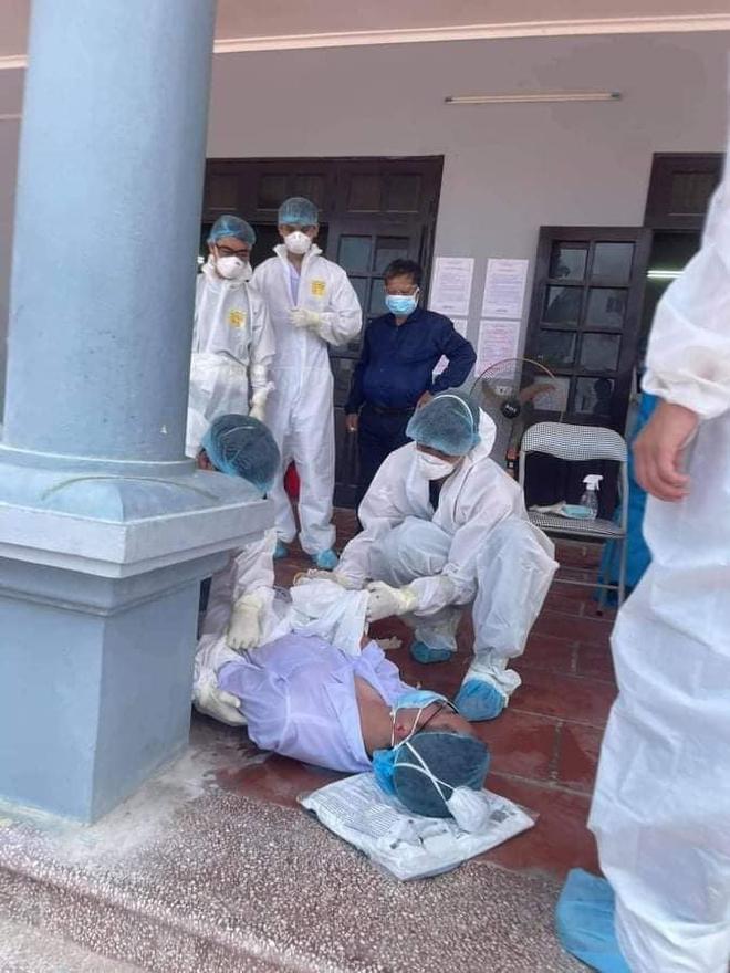 Hình ảnh bác sĩ nơi tâm dịch Bắc Giang khiến nhiều người xót xa: Phía sau lớp áo bảo hộ là tấm lưng cháy nắng phồng rộp - Ảnh 3.