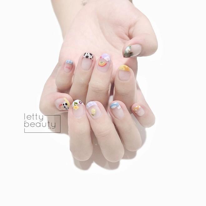 9 mẫu nail mùa hè xinh nhất ở các tiệm lúc này, các nàng chắc chắn chấm được bộ ưng ý  - Ảnh 9.