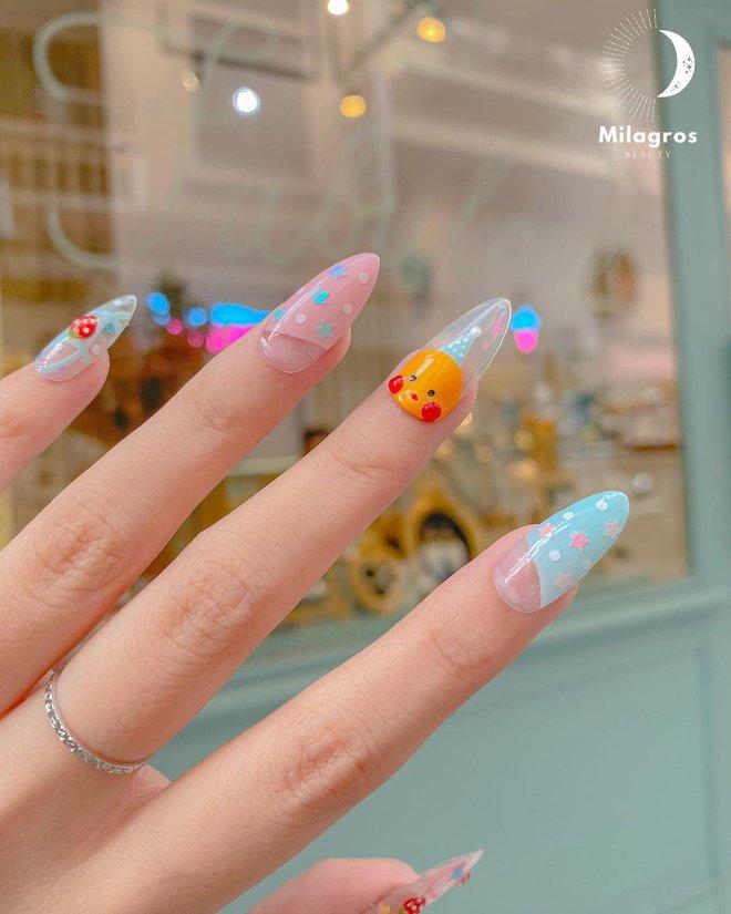 9 mẫu nail mùa hè xinh nhất ở các tiệm lúc này, các nàng chắc chắn chấm được bộ ưng ý  - Ảnh 7.