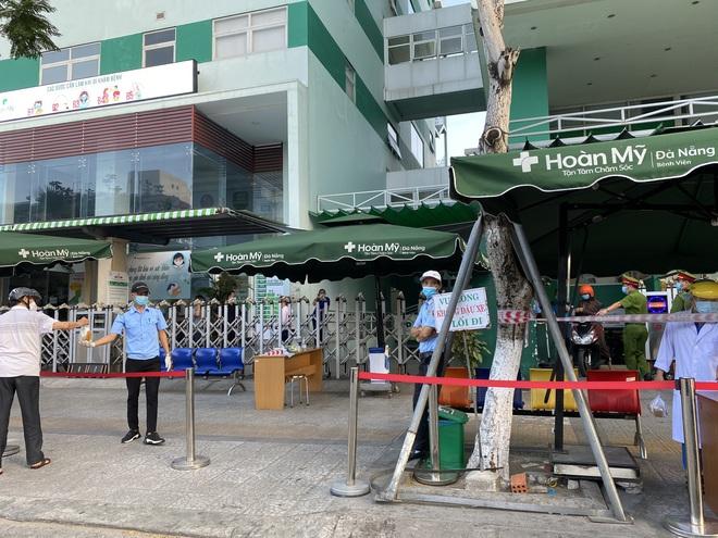 Lịch trình dày đặc của nam nhân viên spa dương tính với SARS-CoV-2 ở Đà Nẵng: Đến bến xe, bar, karaoke, siêu thị, cafe - Ảnh 5.