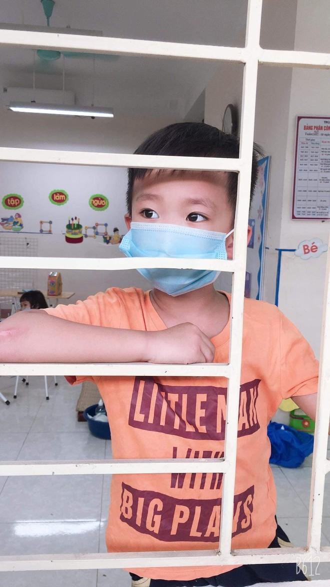 """Cô giáo mầm non ở Bắc Giang tình nguyện đi cách ly cùng học sinh: Nửa đêm tỉnh giấc, các con ôm cô sụt sùi """"Cô ơi, mẹ của con đâu?"""" - Ảnh 5."""