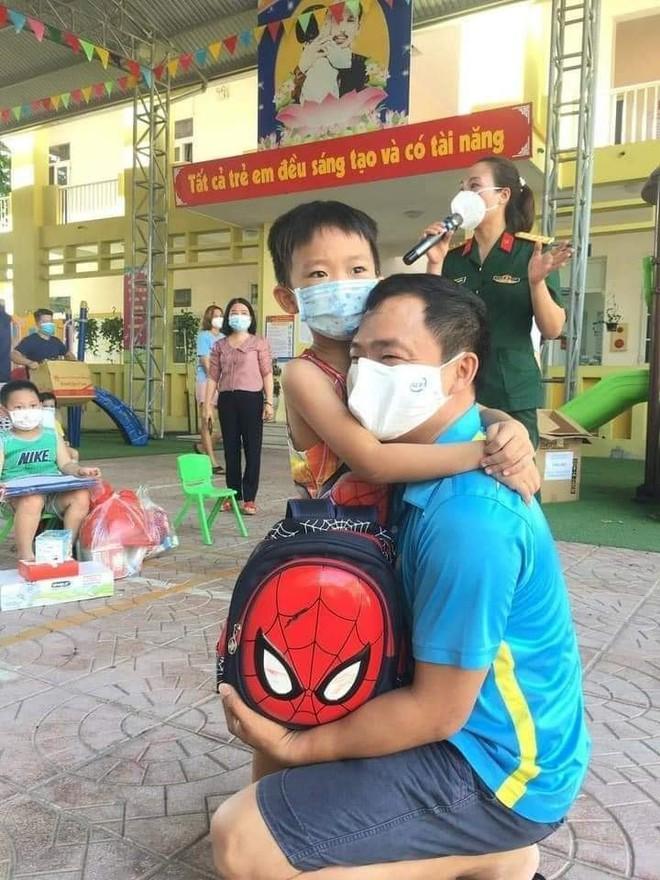 """Cô giáo mầm non ở Bắc Giang tình nguyện đi cách ly cùng học sinh: Nửa đêm tỉnh giấc, các con ôm cô sụt sùi """"Cô ơi, mẹ của con đâu?"""" - Ảnh 9."""
