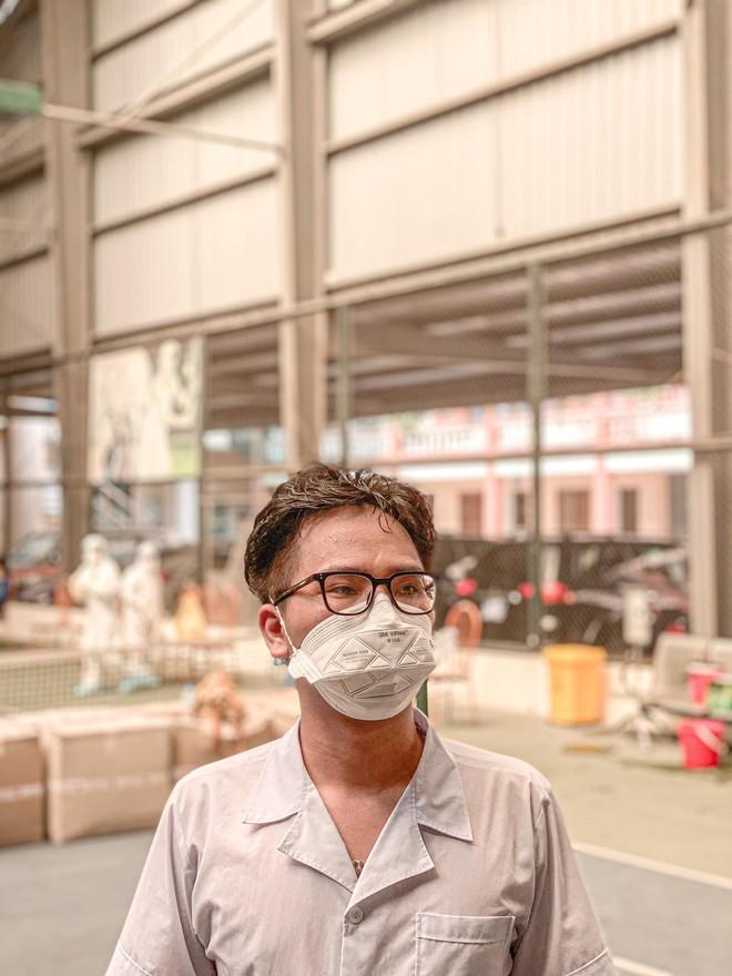 Nam sinh 20 tuổi ngất xỉu khi lấy mẫu xét nghiệm trong thời tiết 40 độ ở Bắc Giang: Mình ngồi xuống định nghỉ một lúc thì sau đó không biết gì nữa... - Ảnh 4.