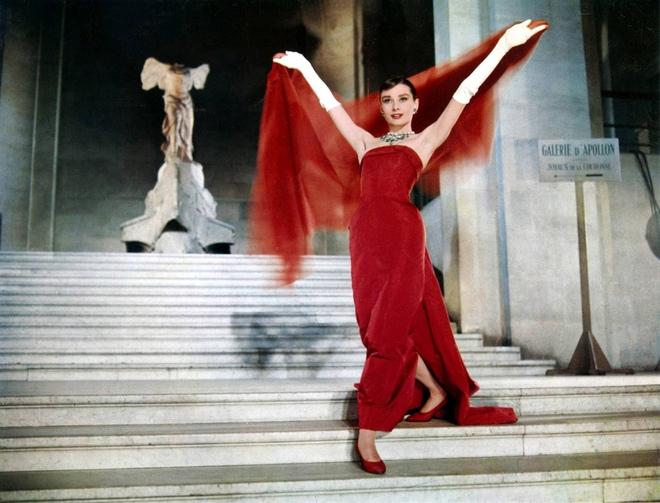 """Những """"bà đầm đỏ"""" mê hoặc tại Hollywood: Biểu tượng sex Marilyn Monroe còn khó vượt ải hội mỹ nhân! - Ảnh 8."""