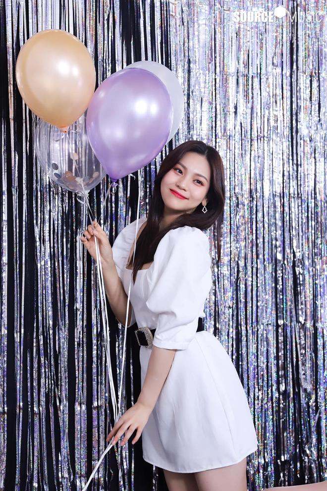 Nữ idol từng bị chê xấu nhất lịch sử Kpop nay đã thăng hạng visual ngoạn mục chỉ nhờ... đổi dáng lông mày - ảnh 10