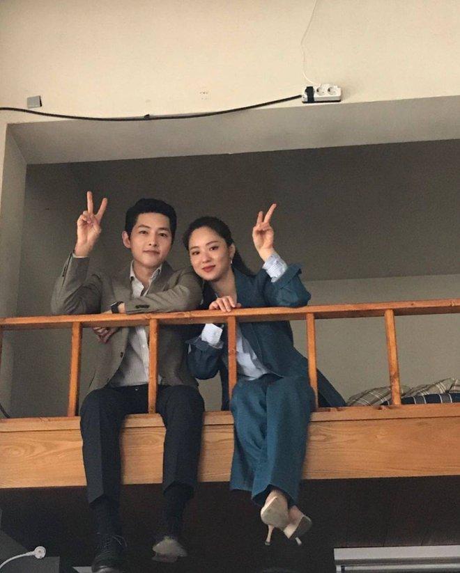 """Sau Song Hye Kyo, nữ chính Vincenzo là người được Song Joong Ki công khai """"tỏ tình"""" cực ngọt - Ảnh 7."""