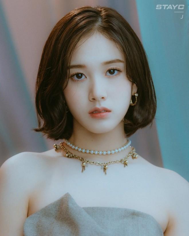 Năm 2004 diệu kỳ đánh dấu loạt visual thế hệ mới ra đời: Center Gen Z xinh như búp bê, nữ idol giống Yoona - Suzy gây sốt MXH - ảnh 6