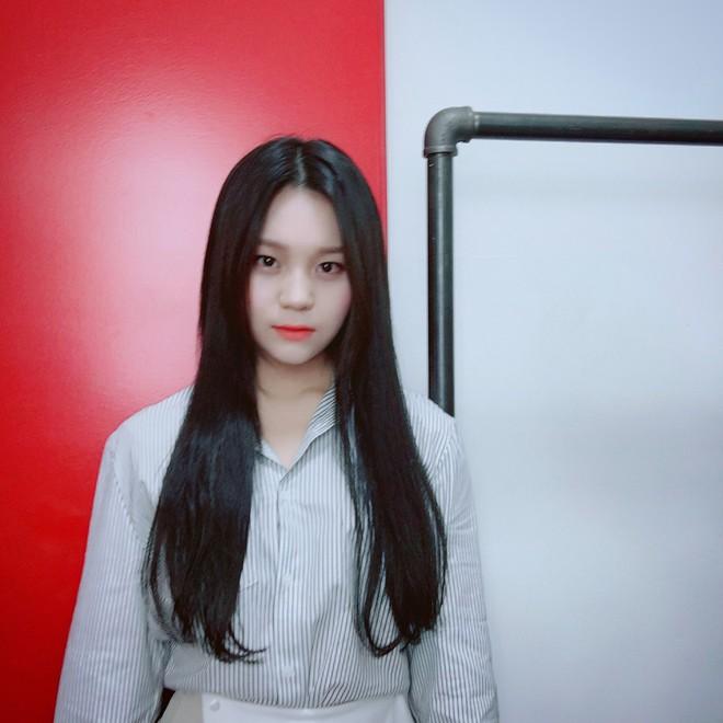Nữ idol từng bị chê xấu nhất lịch sử Kpop nay đã thăng hạng visual ngoạn mục chỉ nhờ... đổi dáng lông mày - ảnh 6