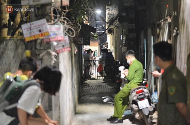 Dịch Covid-19 ngày 4/5: Hà Nội thêm 1 ca mắc mới ở quận Hoàng Mai; 31 F1 tại Hội An bị cách ly - Ảnh 1.