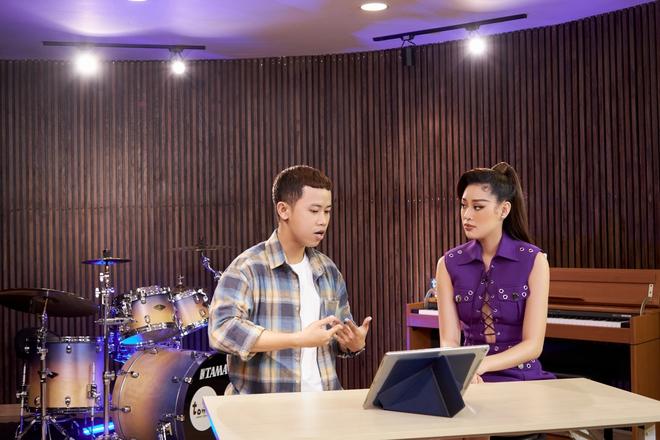 Hoa hậu Khánh Vân luyện thanh nhạc chỉ để hô tên tại Miss Universe - ảnh 1