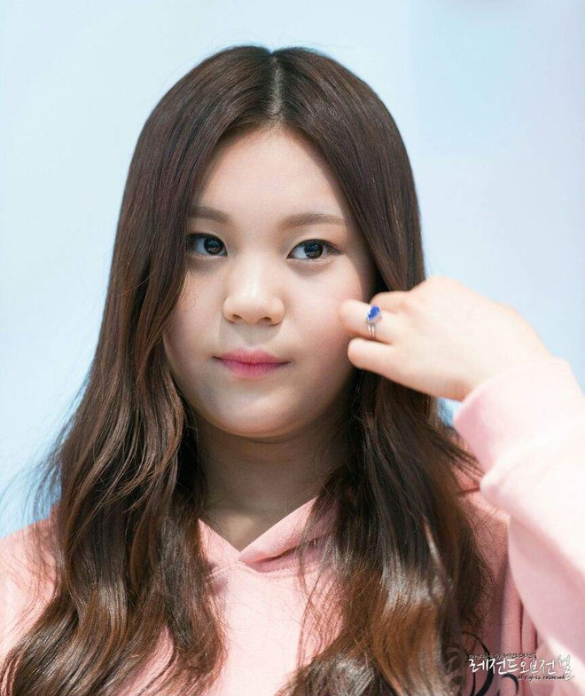 Nữ idol từng bị chê xấu nhất lịch sử Kpop nay đã thăng hạng visual ngoạn mục chỉ nhờ... đổi dáng lông mày - ảnh 3