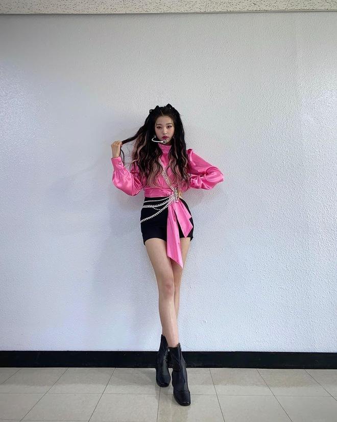 Năm 2004 diệu kỳ đánh dấu loạt visual thế hệ mới ra đời: Center Gen Z xinh như búp bê, nữ idol giống Yoona - Suzy gây sốt MXH - ảnh 5