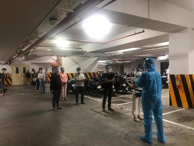 Đà Nẵng xét nghiệm khẩn 217 nhân viên, phun thuốc khử khuẩn bar New Phương Đông nơi có nữ quản lý dương tính với SARS-CoV-2 - ảnh 2