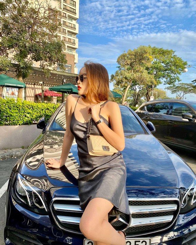 HH Kỳ Duyên mới đổi kiểu váy hai dây: Diện lên hình sống ảo xinh ngây ngất và còn tiết lộ luôn chỗ mua - ảnh 1
