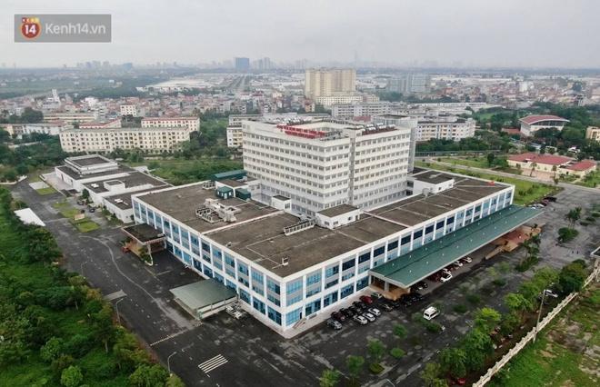 Ảnh: Cận cảnh phong tỏa, tiếp tế tại Bệnh viện Bệnh Nhiệt đới Trung ương cơ sở 2 - ảnh 2