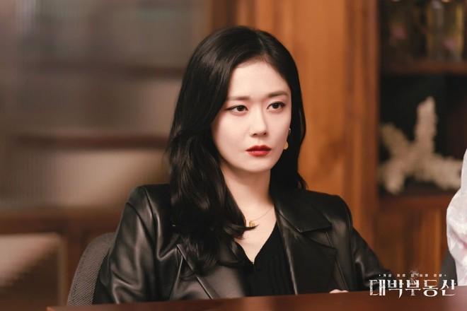 30 diễn viên hot nhất xứ Hàn: Song Joong Ki lên ngôi vương ngỡ ngàng sau 2 năm ly hôn, Jang Nara khiến dàn sao Penthouse bay màu - ảnh 3