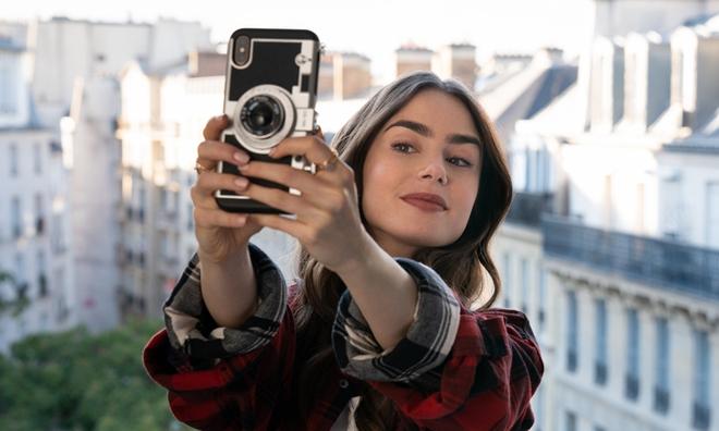 Emily in Paris mùa 2 hé lộ twist tình yêu tanh bành, cam kết sẽ không láo nháo với văn hóa Pháp như phần đầu - ảnh 3