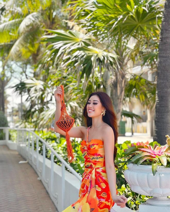 Netizen xỉu ngang với số outfit của Khánh Vân: 5 ngày mặc 8 set đẹp đỉnh, định san phẳng Miss Universe luôn hay gì? - Ảnh 7.