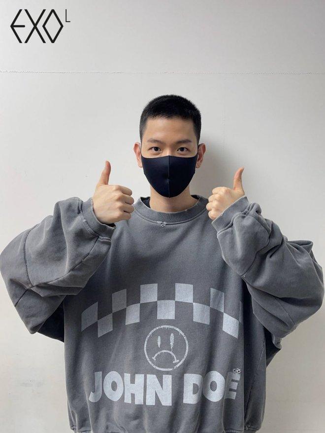 Hé lộ hình ảnh nhập ngũ đầu tiên của Baekhyun (EXO) vào hôm nay, body vạm vỡ lấp ló khiến fan gào thét không thôi - ảnh 5