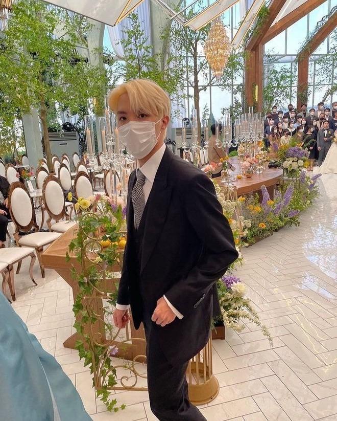 Đám cưới chị gái J-Hope: Dàn khách mời BTS visual đỉnh cao, riêng thành viên giàu nhất nhóm nhuộm tóc mới gây sốt - ảnh 2