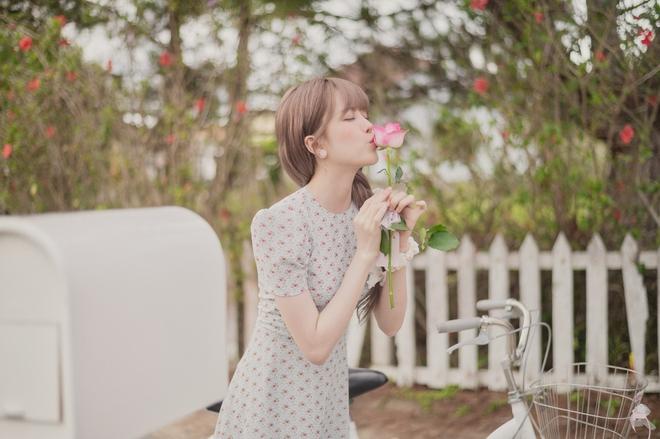 Thiều Bảo Trâm diện toàn váy hoa xinh ngất trong MV mới, bỏ vài ba trăm là bạn sắm được váy xinh ngang ngửa - ảnh 3