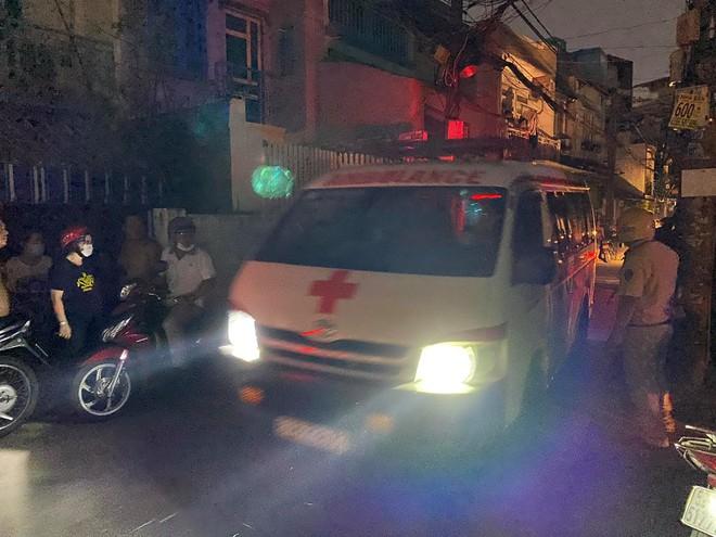 Cháy nhà ở Sài Gòn khiến ít nhất 7 người tử vong thương tâm: Khoảng 10 người mắc kẹt không thoát ra được - Ảnh 11.