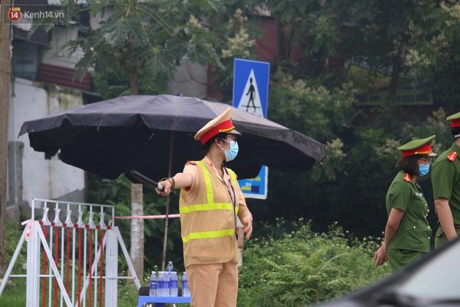 Vĩnh Phúc: Lập chốt kiểm soát gắt gao, nhiều người và phương tiện không được vào thành phố sau quyết định giãn cách - ảnh 6