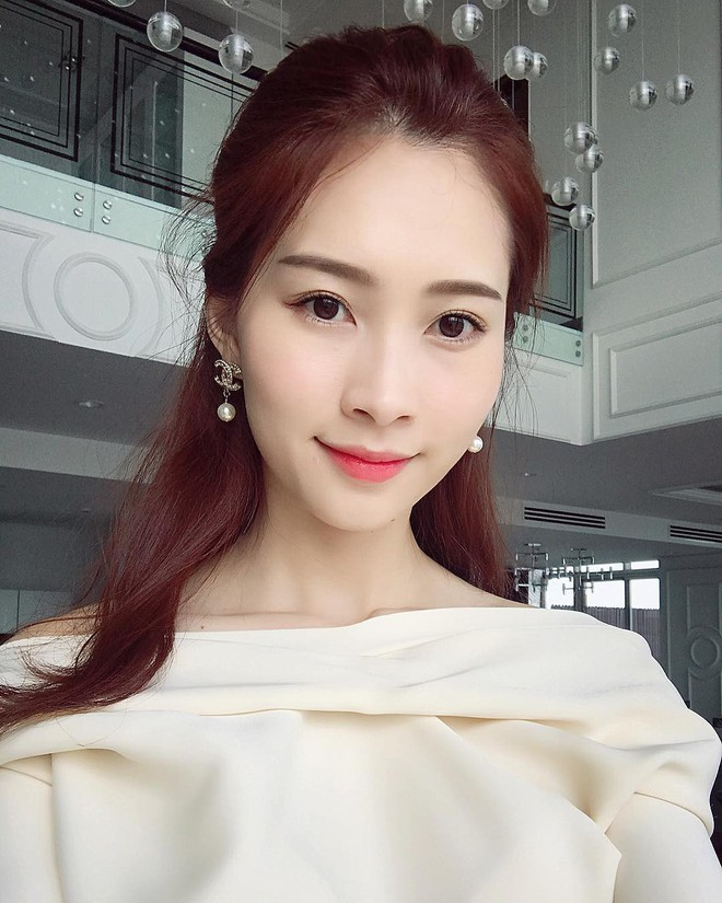 Hoa hậu tiết kiệm nhất Vbiz hẳn là Đặng Thu Thảo: Nàng dâu nhà hào môn chỉ mải mê diện đồ cũ mãi không chán - ảnh 15