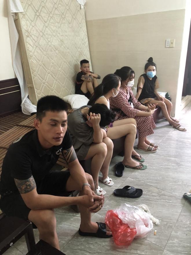 """12 nam thanh nữ tú ở Đà Nẵng mở """"tiệc ma túy tập thể trong khách sạn giữa đại dịch Covid-19 - ảnh 1"""