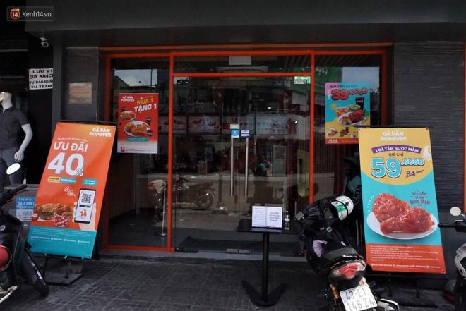 Chưa đến giờ G, nhiều hàng quán ở Đà Nẵng đã chủ động đóng cửa sớm để phòng dịch Covid-19 - ảnh 2